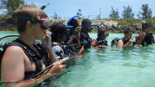 <p> 	BAMZ junior volunteers practice SCUBA skills in Whalebone Bay during the Discover SCUBA camp.</p>