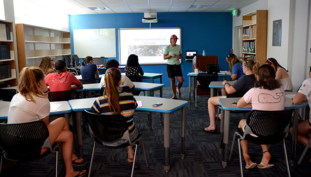 <p> 	Students review coral identification in the classroom.</p>