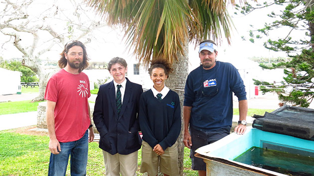 <p> 	Students from Somersfield Academy learn about Lionfish from BIOS researchers Tim Noyes and Chris Flook.</p>